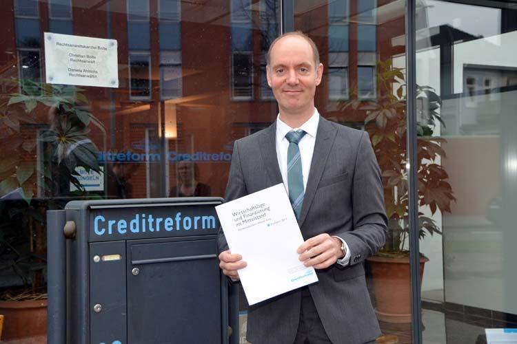 Michael Bolte, Geschäftsführer von Creditreform Oldenburg, stellte neueste Wirtschaftsdaten vor.