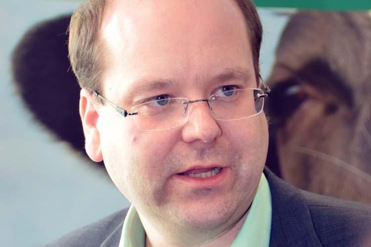 Verbraucherschutzminister Meyer kündigt Gebührenordnung für staatliche Kontrollen an.