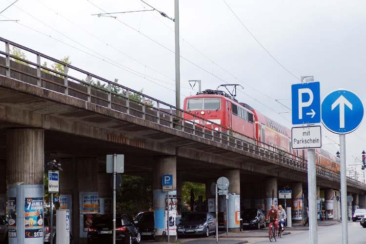 Ein Unfall mit einem Gefahrgutzug auf der Pferdemarktbrücke könnte verheerende Folgen für die Stadt Oldenburg haben.