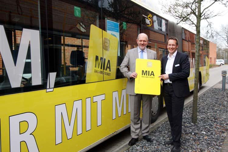 Michael Emschermann und Rainer Counen freuen sich über MIA, das Ticket für das gesamte VBN-Land.