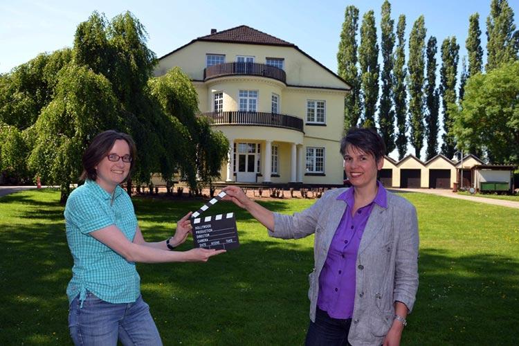 Drehorte gesucht – mit diesem Aufruf hatte sich Wirtschaftsförderin Christa Linnemann Mitte April an Eigentümer interessanter Gebäude gewandt. Ihr Ziel: Filmschaffende und damit indirekt Touristen für die Gemeinde Ganderkesee zu begeistern.