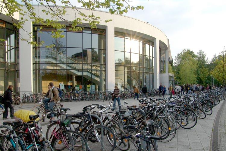 Die Universitätsgesellschaft Oldenburg lädt zum 3. Innovationsdialog am 4. August um 17 Uhr in die Universitätsbibliothek ein.