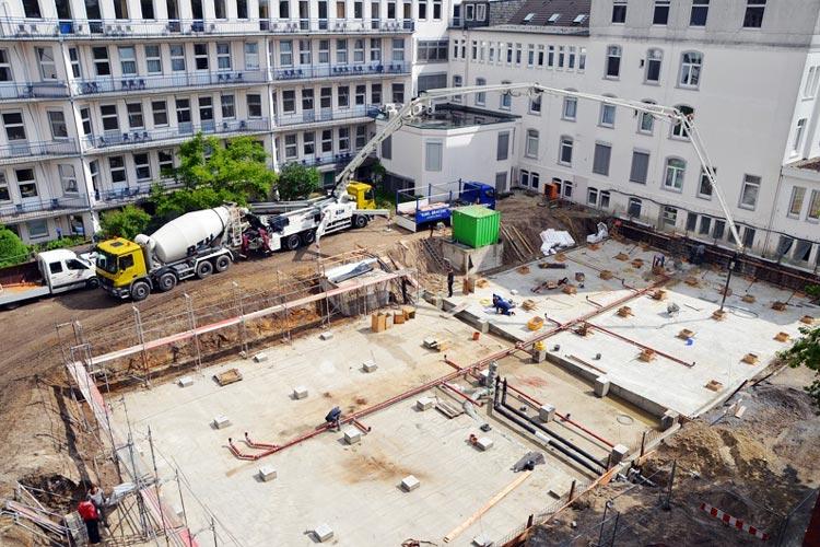 Auf diesem Gelände an der Marienstraße ist das Containerhaus aufgebaut werden. Hierfür ist das krankenhaus in Vorleistung getreten und wartet nun auf grünes Licht aus Hannover für den ersten Bauabschnitt.