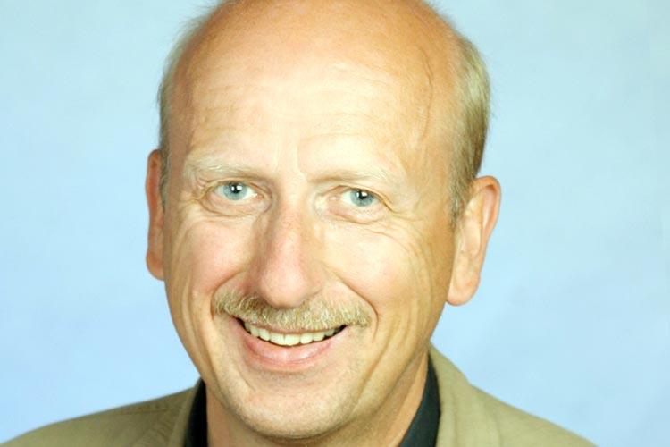 Hans-Henning Adler wirft der EWE AG Betrug vor.