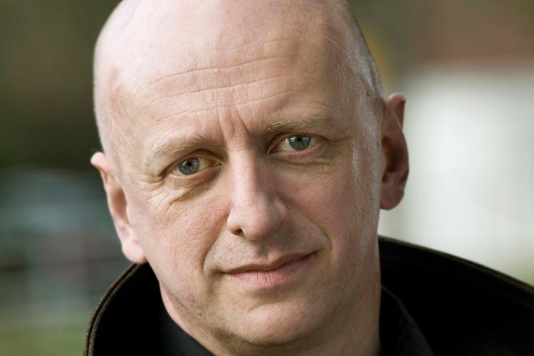 Honne Dohrmann, Tanzchef des Oldenburgischen Staatsthesters, verlässt das Haus und wird Tanzdirektor in Mainz.