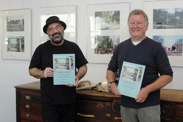 Werkstattfilmleiter Farschid Ali Zahedi und der Journalist Klaus Fricke präsentierten den neuen Bilderband.