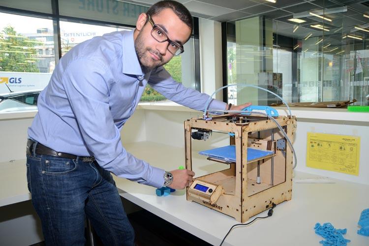 Michael Sorkin ist überzeugt davon, dass die 3D-Drucker ein neues Zeitalter einläuten. Der 22-Jährige eröffnet mit iGo3D das bundesweit erste Geschäft, in dem die revolutionären Drucker sowie Zubehör gekauft, aber auch vor Ort genutzt werden können.