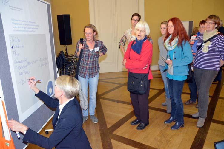 Wie soll der Pflegestützpunkt, der am kommenden Montag im Rat der Stadt Oldenburg beschlossen werden soll, ausgestattet sein und arbeiten?