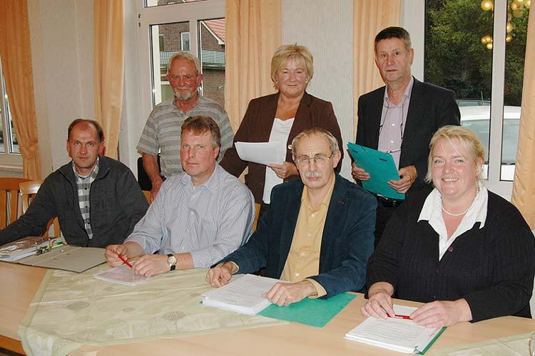 Stellten ihre Sicht zur Bahnumfahrung dar: Jens Kuck, Wolfgang Eber, Dieter Ahlers, Sigrun Spaeth, Ernst Aumann, Hans-Gerd Tabke und Claudia Schindler.