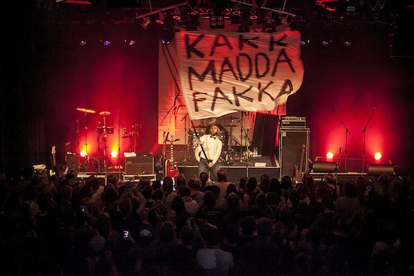 Kakkmaddafakka gastiert an einem trüben Mittwochabend im Oktober in der Kulturetage.