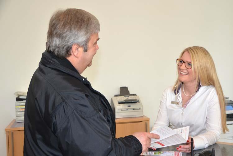 Die Nordenhamerin Janina Kirsch durfte eine Woche lang in die Rolle der Filialleiterin schlüpfen und schwärmte von ihrem tollen Team.