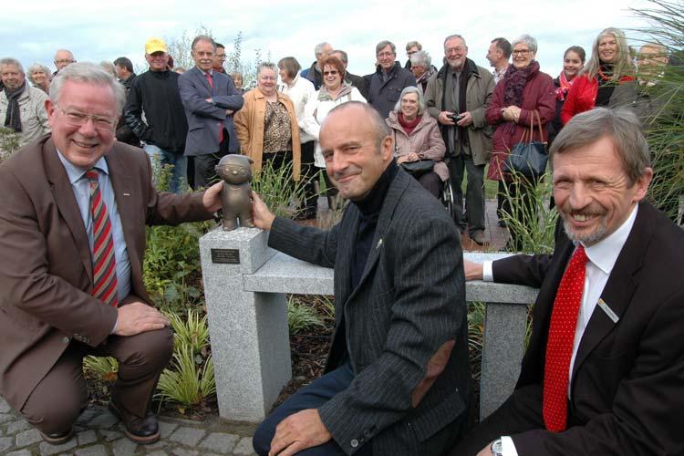 Der Wels hat Konkurrenz bekommen. Ab jetzt dürfte das Mainzelmännchen am Meer das meist fotografierteste Motiv in Bad Zwischenahn werden.