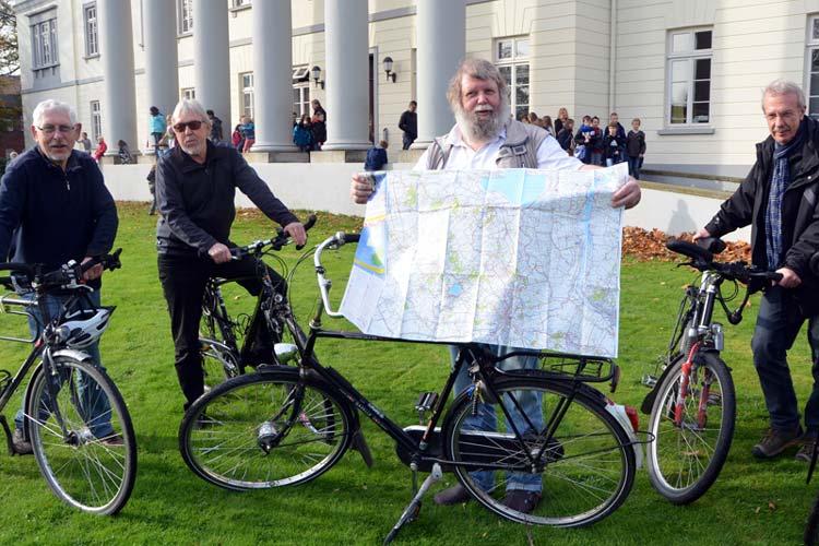Heiko Ahlers  hat zusammen mit anderen begeisterten Fahrradfahrern die ADFC-Radwanderkarte Oldenburger Land erstellt.