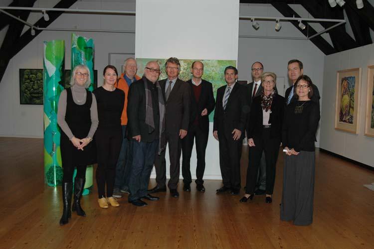 Künstler, Organisatoren, Sponsoren und Schirmherr Gerd Schwandner stellten gemeinsam die neue Ausstellung GreenArt2 – Die Kunst, den Grünkohl zu sehen vor.