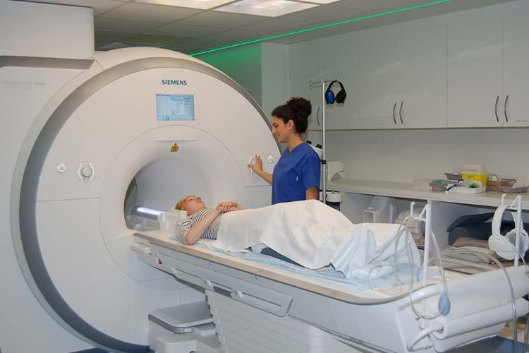Ab sofort ist im Klinikum Oldenburg ein Kernspintomograph der neuesten Generation im Einsatz. Für Patienten bringt das Gerät viele Vorteile.