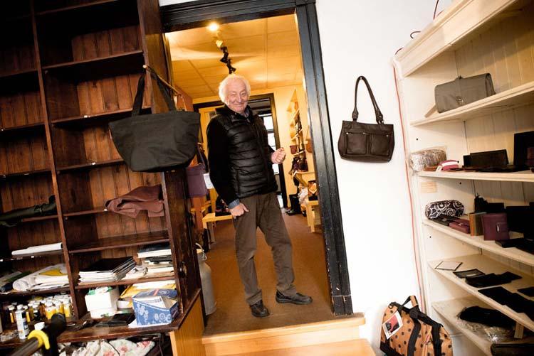 Die Lederhandlung von Hans Driebold wurde 2012 geschlossen. Den letzten Tag dokumentierte Werkstattfilm unter dem Titel Irgendwann ist es so.