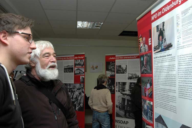 Die Ausstellung Alte und neue Nazis in Oldenburg wurde heute vorgestellt. Dazu hatte das Oldenburger Bündnis gegen Rechts eingeladen.