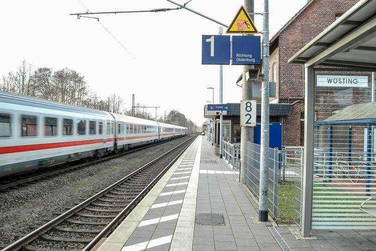 Unfälle an geschlossenen Bahnübergängen sind häufig schwer.