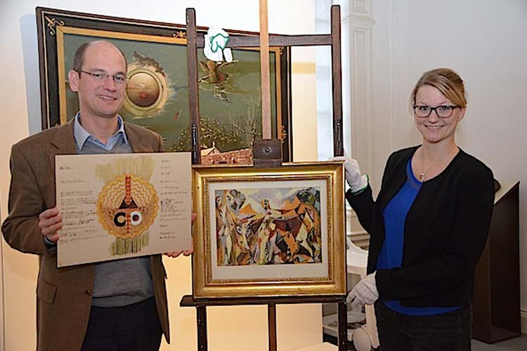 Dr. Rainer Stamm mit Georg Müller vom Siels Werk Das Leben und Anna Heckötter mit Ernst Wilhelm Nays Werk Männer mit Kuh.