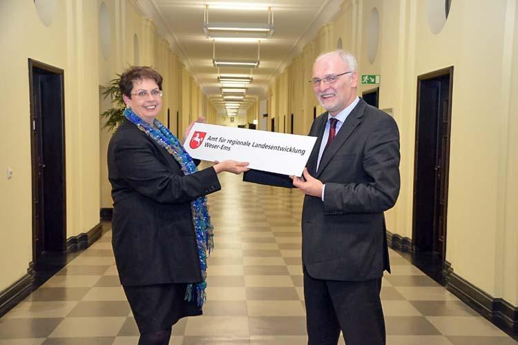 Staatssekretärin Birgit Honé hat Franz-Josef Sickelmann offiziell in sein neues Amt eingeführt.