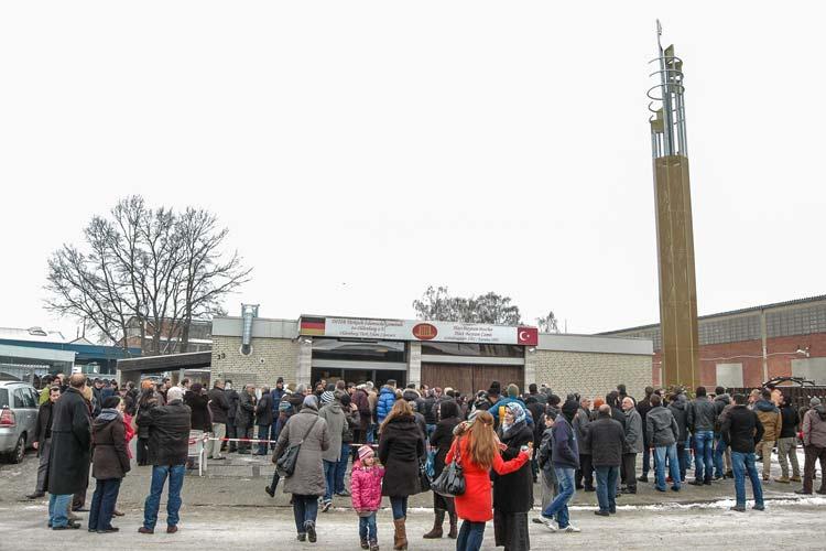 Heute wurde das erste Minarett in Oldenburg eingeweiht.