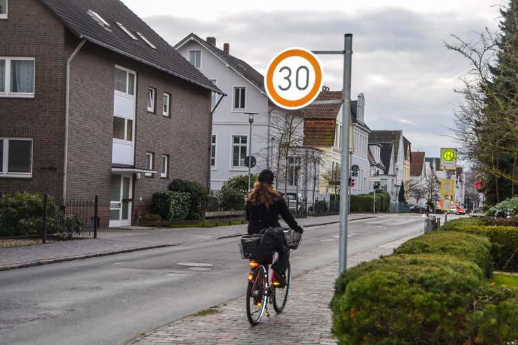 Nur wenige Radfahrer trauen sich in Oldenburg auf die Straße.