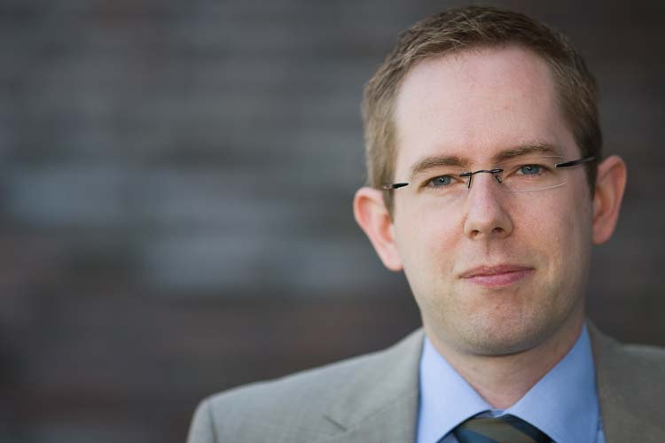 ForWind-Geschäftsführer Dr. Stephan Barth freut sich über das zehnjährige Bestehen.
