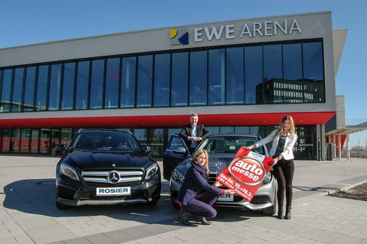Das Autohaus Rosier kommt mit zwei Premieren zur Automesse Oldenburg: die neue C-Klasse und der neue kompakte Geländewagen GLA. Vorfreude zeigten Andreas Vetter, Verkaufsleiter im Autohaus Rosier, Anna Rüdiger, Rosier-Marketing, und Janina Zeigner, Auszubildende bei E & M Marketing.