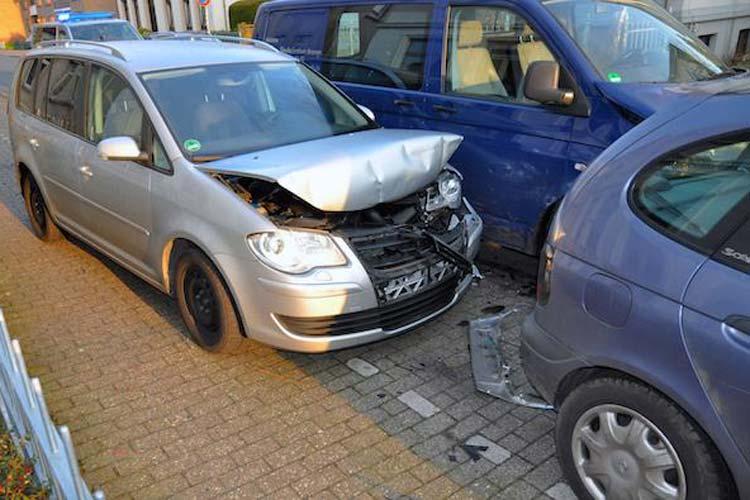 Wegen einer Spinne kam es zu einem Verkehrsunfall in der Lambertistraße Oldenburg. Dabei entstand ein Sachschaden von fast 30.000 Euro.