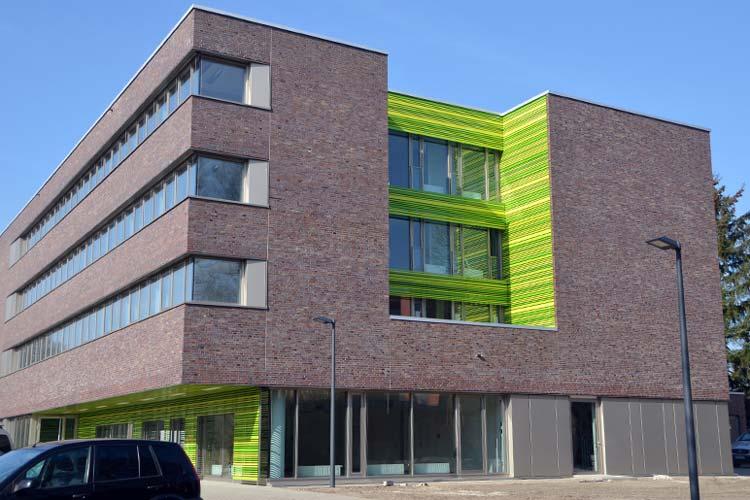 Der Forschungsbaus NeSSy für die Forschungszentren Neurosensorik und Sicherheitskritische Systeme der Universität Oldenburg ist fast fertig.