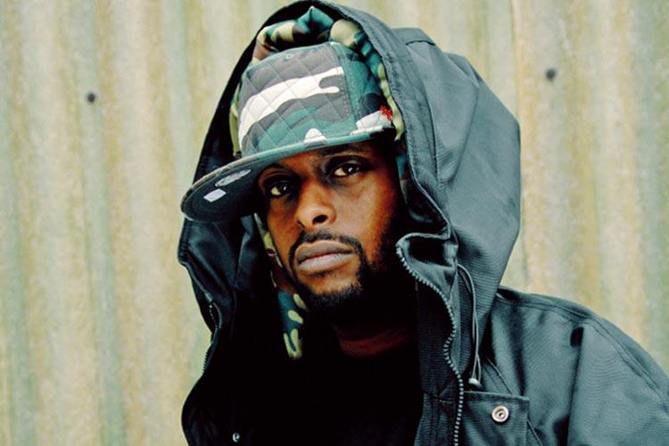 Der Vollblut-MC Afrob stellt seine neue LP Push vor.