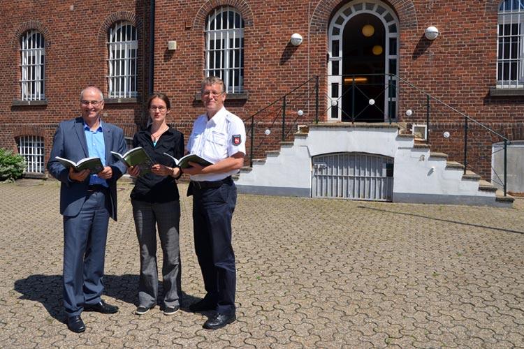 Gerd Koop, Yvonne Robel und Thomas Gerdes stellten das Buch in der ehemaligen JVA an der Gerichtsstraße (Hotel zur Hunte) vor.