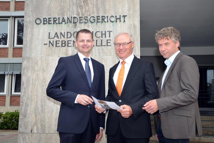 Norbert Holtmeyer, Gerhard Kircher und Michael Henjes (von links) stellten das Programm für den Tag der offenen Tür des Oberlandesgericht vor.
