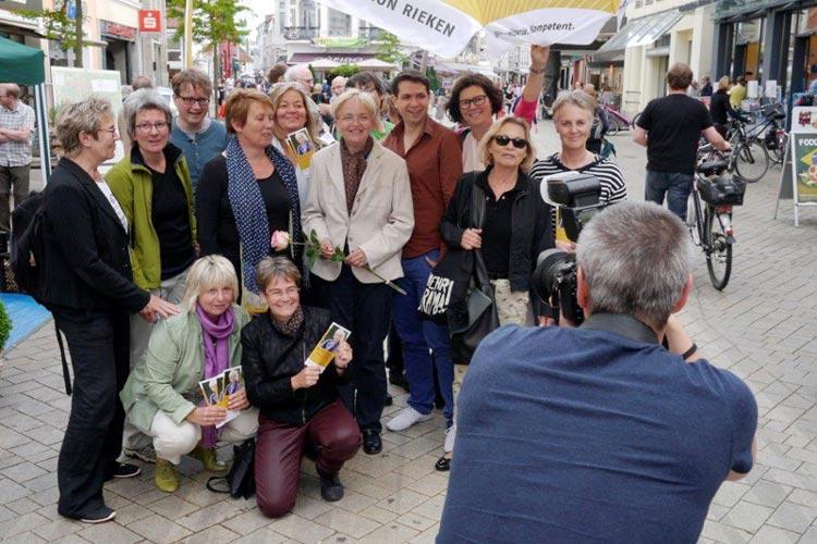 Hand in Hand arbeitete das Team rund um Marion Rieken. Das Foto entstand zum Wahlkampfauftakt.