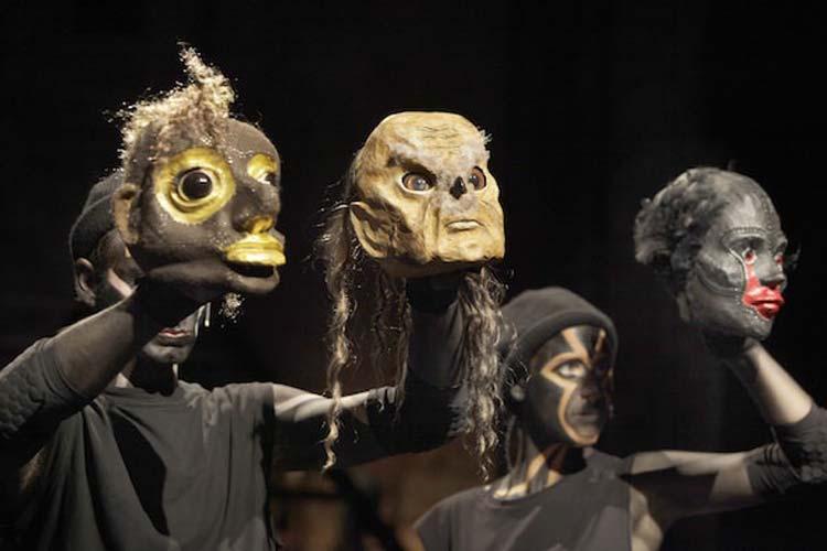 Das Oldenburgische Staatstheater feierte mit dem Schauspiel Kamp um Troja eine erfolgreiche Uraufführung.