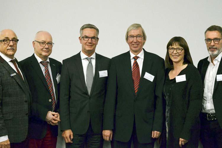 Der neue CMO-Vorstand: Bodo M. Bauer, Lutz Herbst, Sebo Kramer, Friedrich-August Fisbeck, Gerhardine Müller-Meinhard Cardoso und Stefan Dieker