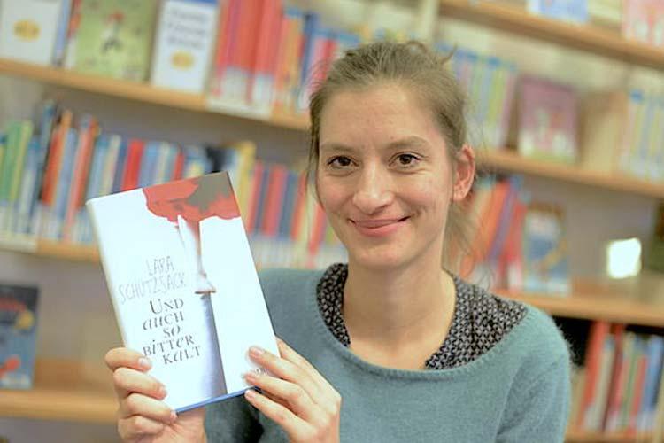 Die Autorin Lara Schützsack hat den mit 7600 Euro dotierten Kinder- und Jugendbuchpreis 2014 der Stadt Oldenburg bekommen.