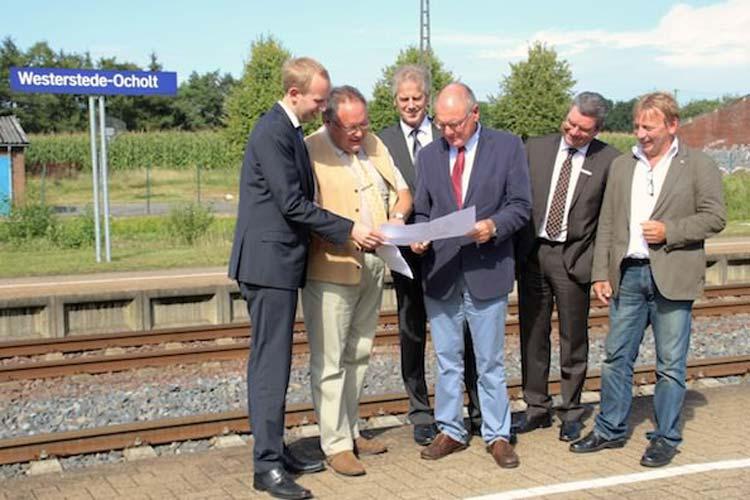 Das Land Niedersachsen und die Deutsche Bahn investieren gemeinsam 9,8 Millionen Euro in die Modernisierung und den barrierefreien Umbau der Bahnhöfe Westerstede-Ocholt und Augustfehn.