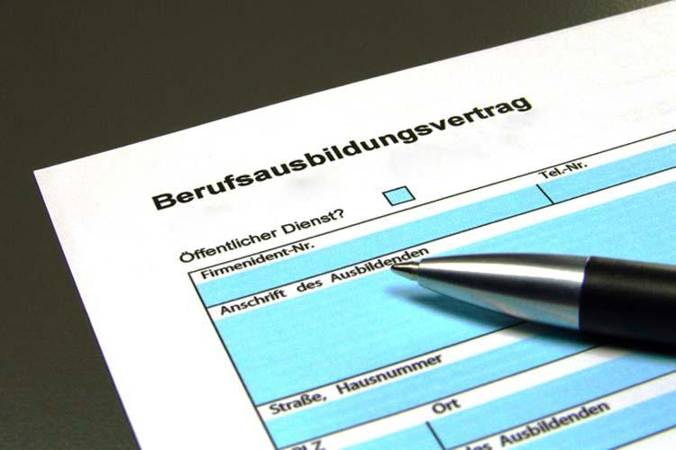 Das Jobcenter Oldenburg kooperiert mit dem Bildungswerk ver.di in drei Projekten, die mit Mitteln des Europäischen Sozialfonds (ESF) gefördert werden. Ziel ist die Aufnahme einer Ausbildung.