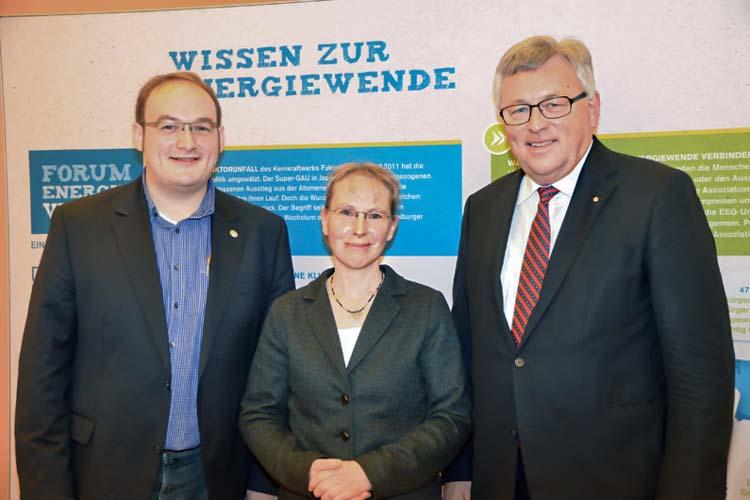 Daniel Kaszanics und Petra Walentowitz beteiligten sich am Forum Energiewende, deren erste Ergebnisse Werner Brinker jetzt vorstellte.