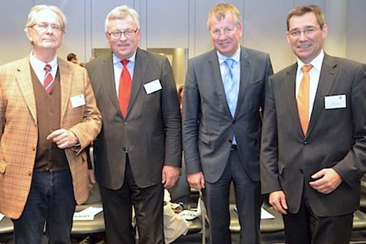 Diskutierten bei der Jahresveranstaltung des wigy e.V. über Willkommenskultur und demografischen Wandel: Klaus Bade, Werner Brinker, Lutz Stratmann und Hilger Koenig.