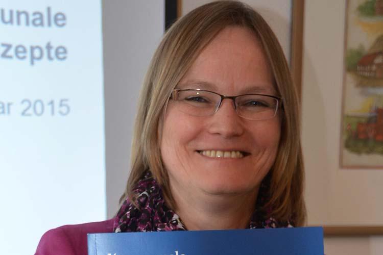 IHK-Geschäftsführerin Carola Havekost stellte den Leitfaden für kommunale Einzelhandelskonzepte vor.