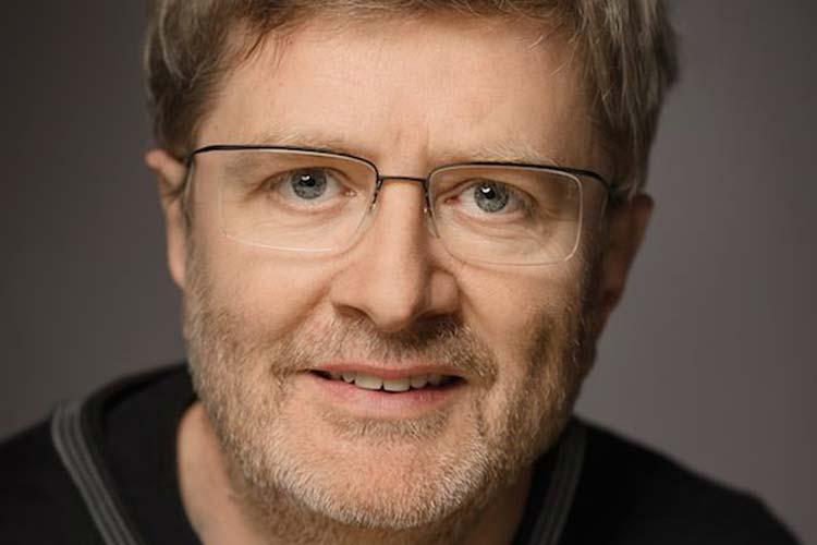 Der Oldenburger Heiner Meemken veröffentlicht in diesem Monat seinen Roman Himmelrot.