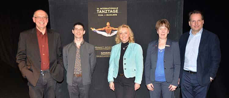 Festivalleiter Burkhard Nemitz und Antoine Jully, Christine Hawighorst (CEWE), Annette Brockhoff-Ulken (Öffentliche Versicherungen) und Generalintendant Christian Firmbach freuen sich auf die 12. Internationalen Tanztage Oldenburg.