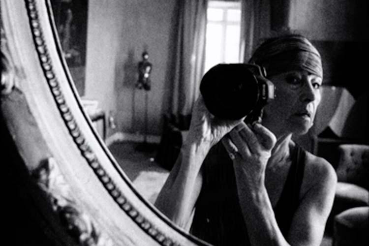 Beuys ohne Hut – Karin Székessy fotografiert Künstler lautet der Titel einer Sonderausstellung im Oldenburger Horst-Janssen-Museum.