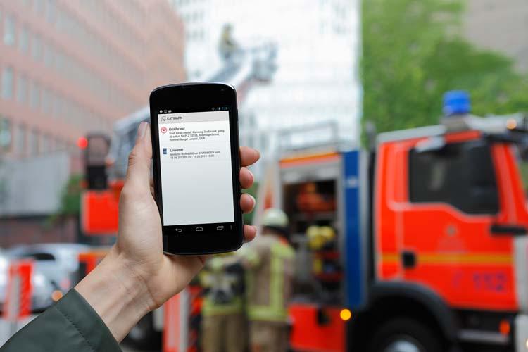 Das Warnsystem Katwarn informiert auch die angemeldeten Oldenburger über Gefahren wie Hochwasser oder Großbrände. Jetzt gibt es ein Update.
