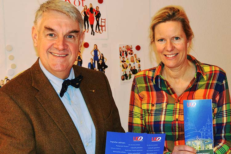 Michael Wefers und Svea von Mende präsentierten das neue Programm der Universitätsgesellschaft Oldenburg (UGO).