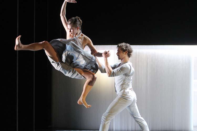 Im April finden die 12. Internationalen Tanztage im Oldenburgischen Staatstheater statt. Eingeladen wurden elf Compagnien aus zehn Ländern
