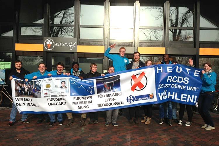 Das RCDS-Team (Ring Christlich Demokratischer Studenten) ist vom vorläufigen Ergebnis der StuPa-Wahlen an der Universität Oldenburg begeistert.
