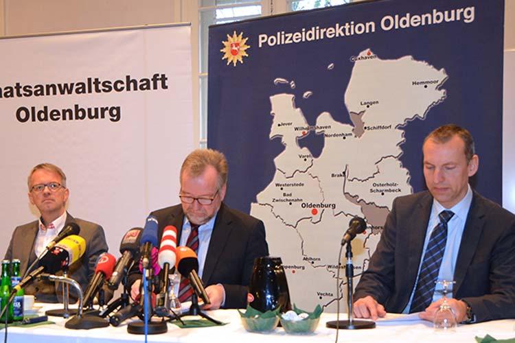 Die Ermittlungsbehörden überprüfen derzeit mehr als 174 Sterbefälle im Klinikum Delmenhorst, die in die Dienstzeit des angeklagten Krankenpflegers Niels H. fielen. Die Staatsanwaltschaft Oldenburg hat Exhumierungsbeschlüsse beim Ermittlungsrichter erwirkt.